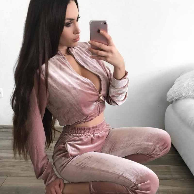 Two Pieces Loose Velvet Sports Jogging Suit